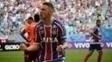 Tiago comemora gol contra o Atlético-PR na Fonte Nova