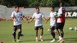 Jogadores do Vitória durante treino conduzido por Vagner Mancini, em Salvador