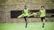 Emerson Santos em treino ao lado de Camilo