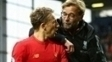 Lucas Leiva e Jurgen Klopp conversam após a vitória do Liverpool sobre o West Bromwich