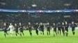 Jogadores do PSG comemoram vitória por 4 a 0 sobre o Barcelona