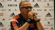 Jayme de Almeida em entrevista no Maracanã após a conquista do título carioca