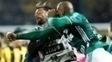 Felipe Melo e Matías Mier saem no tapa ao fim de Peñarol x Palmeiras no Uruguai