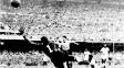Ghiggia marca o segundo do Uruguai, que venceu o Brasil no Maracanã e conquistou a Copa de 1950