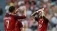 Dupla brilhou no massacre por 7 a 0 sobre a Estônia