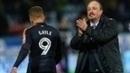 Artilheiro Dwight Gayle e treinador Rafa Benítez em jogo do Newcastle