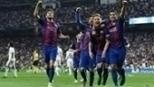 Messi resolve no último lance, Barça bate Real no Bernabéu e assume liderança