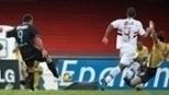 Ronaldo e Douglas marcaram, e o Corinthians venceu o São Paulo no Morumbi