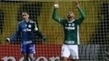 Palmeiras faz vídeo para mostrar que Felipe Melo não provocou o Peñarol no fim do jogo