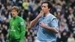 Cristiano Ronaldo foi expulso, e City venceu United com gol de Fowler; relembre