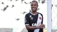 Luis Fabiano foi expulso no clássico contra o Flamengo