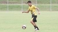 Carlos Eduardo durante treino do Criciúma