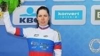 Tatiana Antoshina no pódio de etapa do Tour de Flanders em 2011
