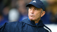 Tony Pulis antes da partida do West Bromwich contra o Chelsea pela Premier League
