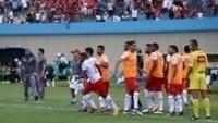 Vila Nova venceu o Goiás em clássico com confusão nas arquibancadas