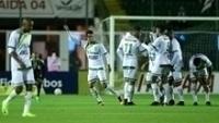 Jogadores do Luverdense comemoram gol contra o Figueirense