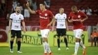 Roberson comemora o gol da vitória do Inter sobre o Brasil de Pelotas