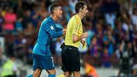 Cristiano Ronaldo empurrou árbitro na Supercopa da Espanha entre Barcelona e Real Madrid