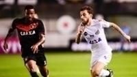 Lucas Lima voltou a atuar pelo Santos diante do Sport, neste sábado