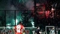 Torcida do Panathianaikos na partida contra o Olympiacos
