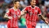 Rafinha comemora o primeiro gol do Bayern sobre o Chelsea