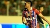 O atacante Hernane deixou o dele na grande vitória do Bahia