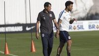 Fábio Carille, durante treino do Corinthians nesta segunda-feira