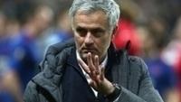 Mourinho mostra que conquistou seu quarto título europeu