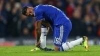 Kenedy em campo com a camisa do Chelsea