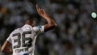 Jonathan Copete Comemora Gol Santos Santa Cruz Pacaembu Campeonato Brasileiro Gazeta Press