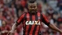 Nikão lamentou empate do Atlético-PR no último fim de semana