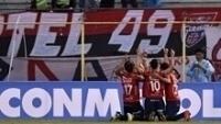Jogadores do Jorge Wilstermann comemoram goleada contra o Peñarol