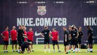 Elenco do Barcelona durante os treinos de pré-temporada
