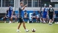 Renato Gaúcho durante treino do Grêmio