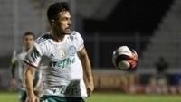 Willian em ação pelo Palmeiras contra a Ponte Preta, em Campinas