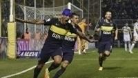 Centurión sofreu com corte no supercílio, mas depois fez um gol para o Boca Juniors