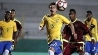 Volante Victor Bobsin, camisa 5, durante Brasil x Venezuela