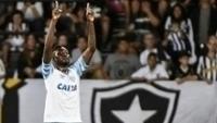 Joel marcou duas vezes contra o Botafogo