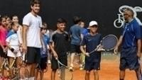 Orlando Luz durante evento com crianças do Brasil Open em São Paulo