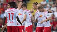 Jogadores do Red Bull Leipzig comemoram gol