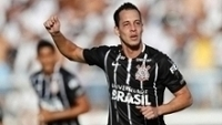 Rodriguinho brilhou em vitória do Corinthians