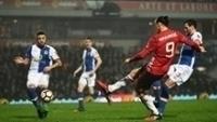 Ibrahimovic garantiu a vitória do United contra o Blackburn