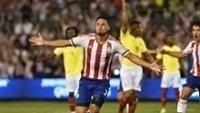 Bruno Valdéz comemora gol do Paraguai