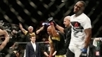 Anderson Silva se emocionou ao vencer no UFC 208
