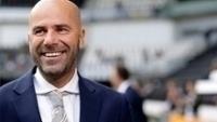 Peter Bosz fez bom trabalho pelo Ajax nesta temporada e agora vai para o Dortmund