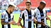 Jogadores do Santos comemoram gol contra o Red Bull Brasil