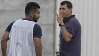 Guilherme e Fabio Carille durante treino do Corinthians antes do jogo com o Luverdense