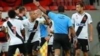 Luis Fabiano foi expulso por ter empurrado árbitro de clássico contra o Flamengo