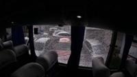 Vidro do ônibus do Sport após ataque de torcedores do Santa Cruz