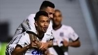 Lucca comemora gol da Ponte Preta contra o Cruzeiro, em Campinas
